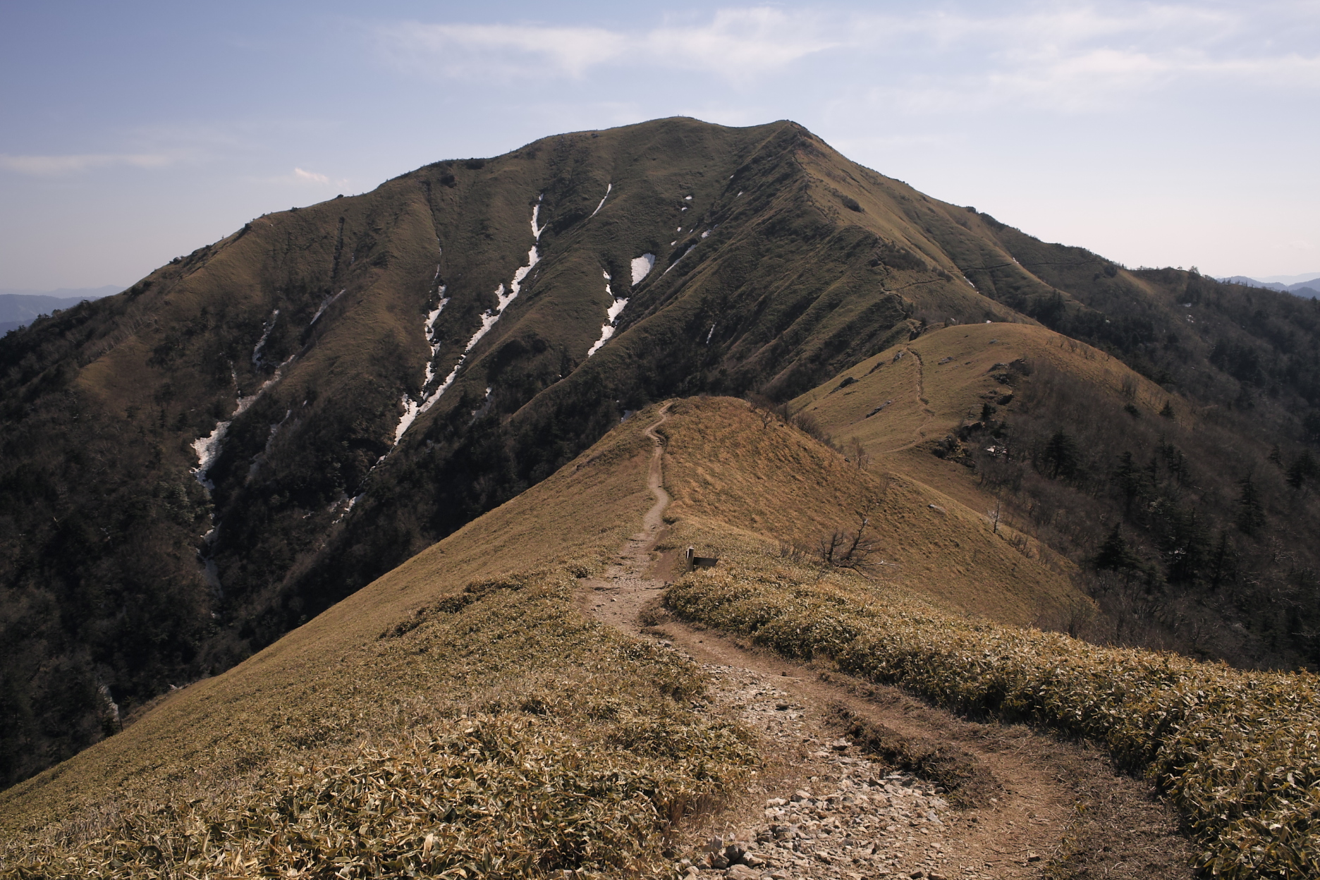 2011年4月29日 四国:剣山と次郎笈へ縦走登山