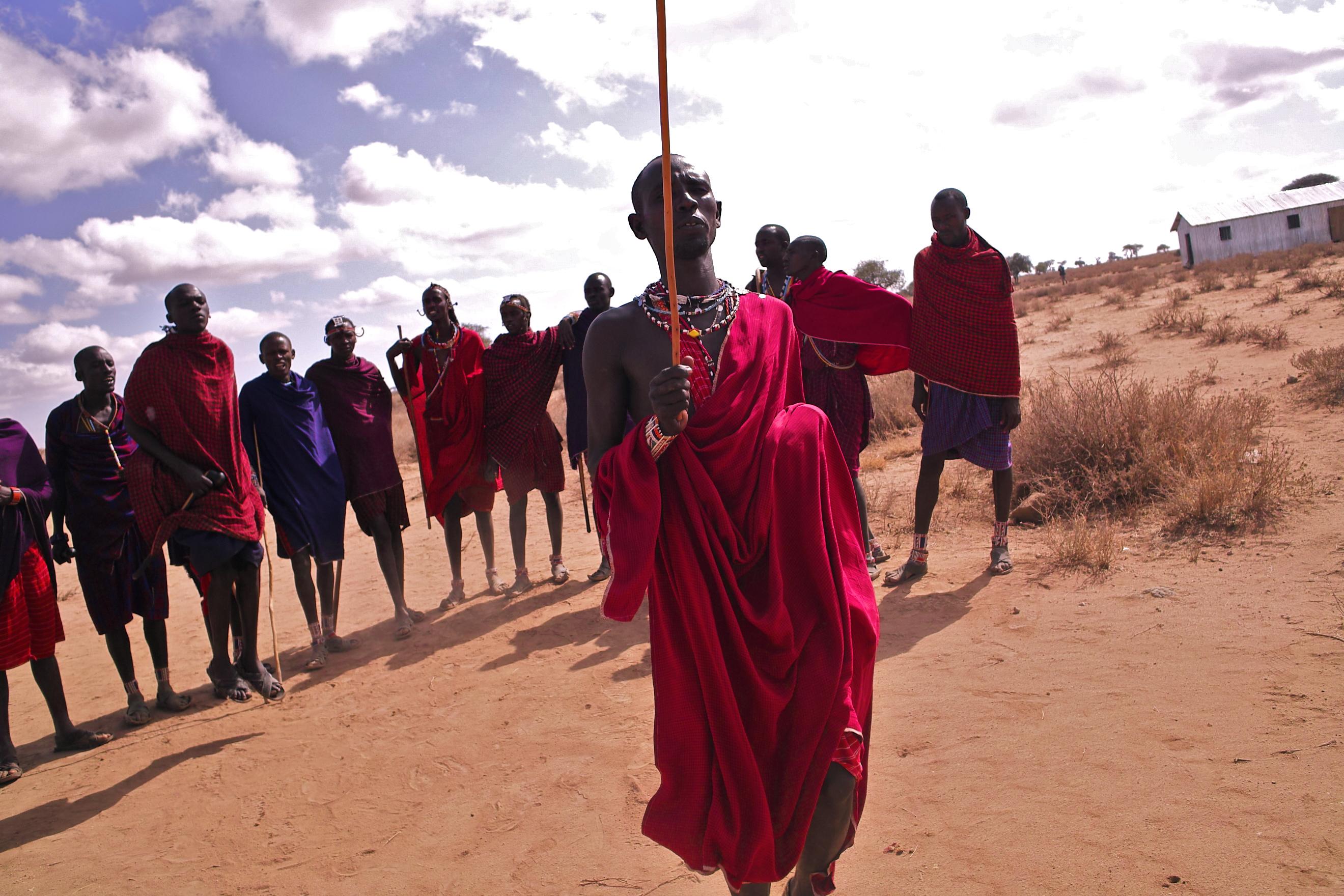 マサイの戦士とアンボセリ国立公園