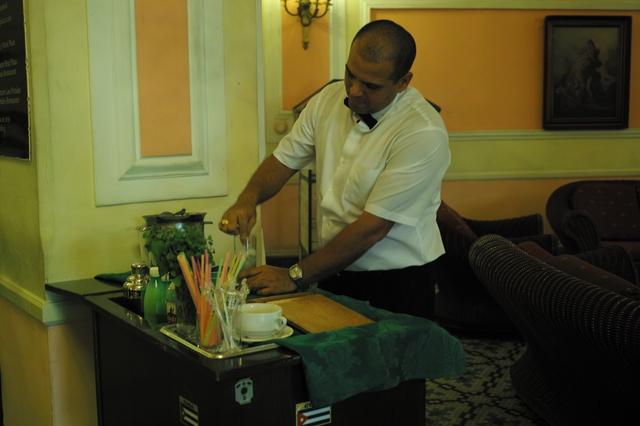 プラサホテルのバーテンダー